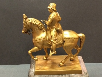 Equestrian statue of gilt bronze
