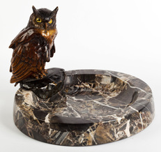 Bronze sculpture - Bowl on a business card with a bronze owl
